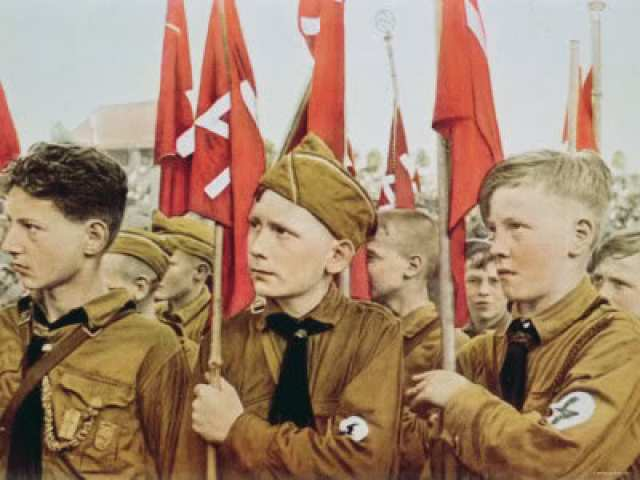 hitler-youth-parade-nazi-germany-19