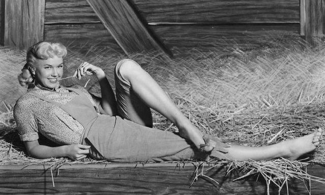 Doris Day — Sunshine Overcame Abuse